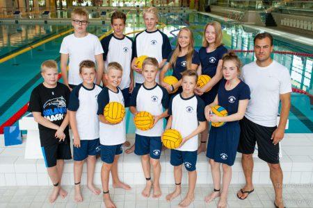D-juniorit on 12-13 -vuotiaiden lasten sekajoukkue.